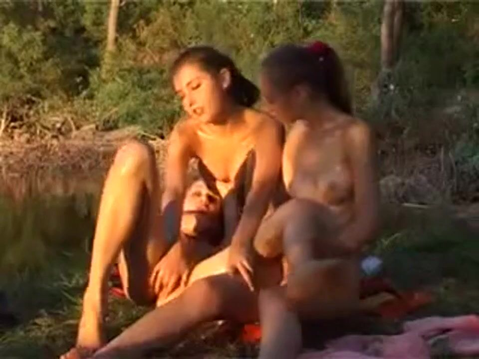 Групповой Секс На Пляже Смотреть Видео