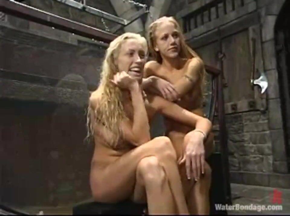 Худенькие Блондинки Трахаются Со Страпоном Под Присмотром Госпожи Порно Ролики Смотреть Онлайн Бесплатно