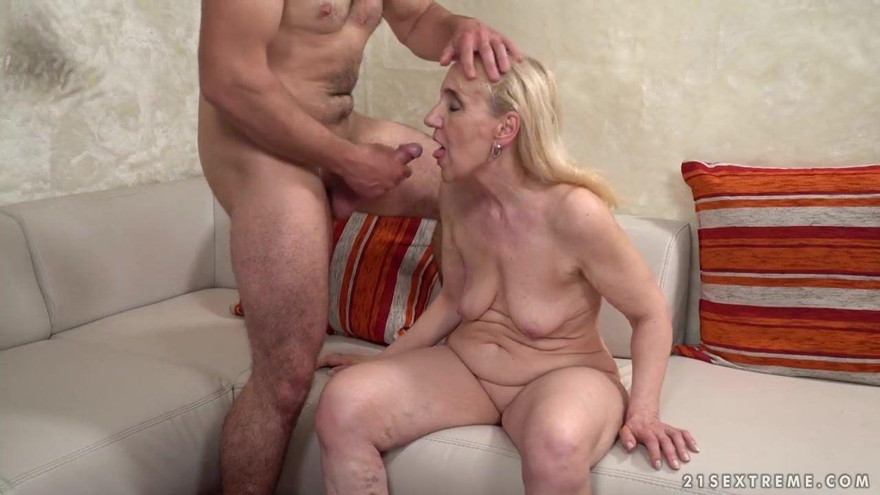 Порно Зрелых С Парнями