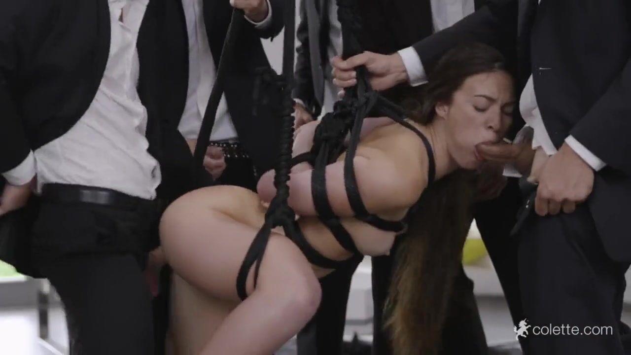 Милашка Shayna Knight Совокупляется На Улице