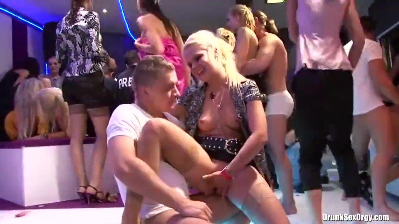 лесби в ночных клубах видео