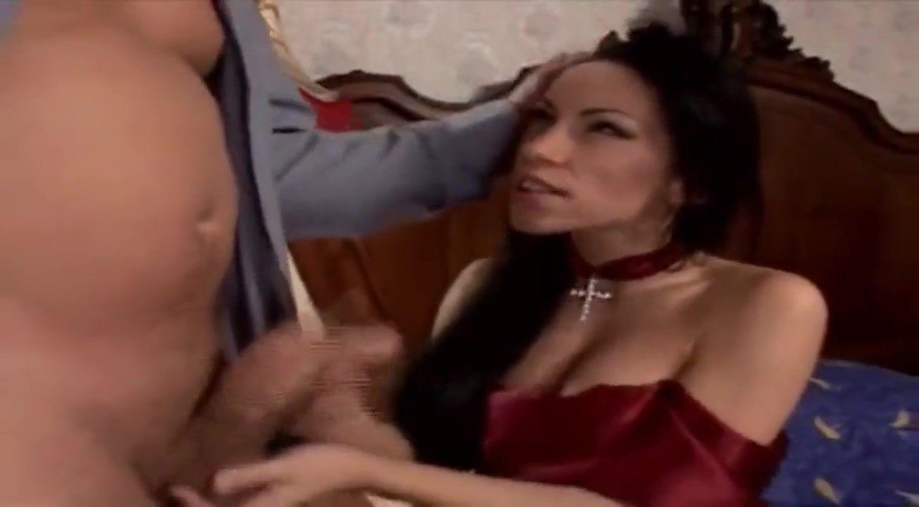 Парень Снимает С Красотки Eva Cats  Трусики И Укладывает На Кровать Раком На Фотографии Порно Фото